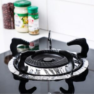 10 pcsGas Stove oil-proof Pad Gas Stove Mat Tin Paper Heat Resistant Aluminum Foil Cleaning Greaseproof Paper 【SUPERIOR QUALITY ALUMINUM FOIL】Made of high-quality aluminum foil, this pack of silver burner covers are highly heat conducive and extra durable for maximum usage. 【KEEP YOUR STOVETOP CLEAN 】These durable burner bibs protect your stove from oil and food spills with. It makes cooking and cleaning so much easier and much less of a chore. These liners will always have your burners looking new and in great condition. 【GREAT VALUE PACK】This value pack includes 200 – 8.5″ square burner liners with an inner opening diameter of 3.5. These burner protectors were specially designed to fit most brand oven and cooktop appliances. 【Easy Installation】You just take it out of its package and put it over the hob. If the hole in the middle of the protector is too small, you can easily cut it to fit a larger stove. 【Clean and Disposable】The covers can be used many times until you are ready to replace them. You can just wipe with a damp cloth, or if you want to dispose it, you can just easily remove it without any tools.